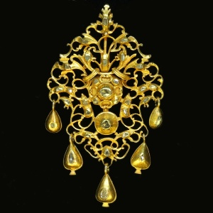 Antique 17th Century breast pendant in sequile style gold and rose cut diamonds